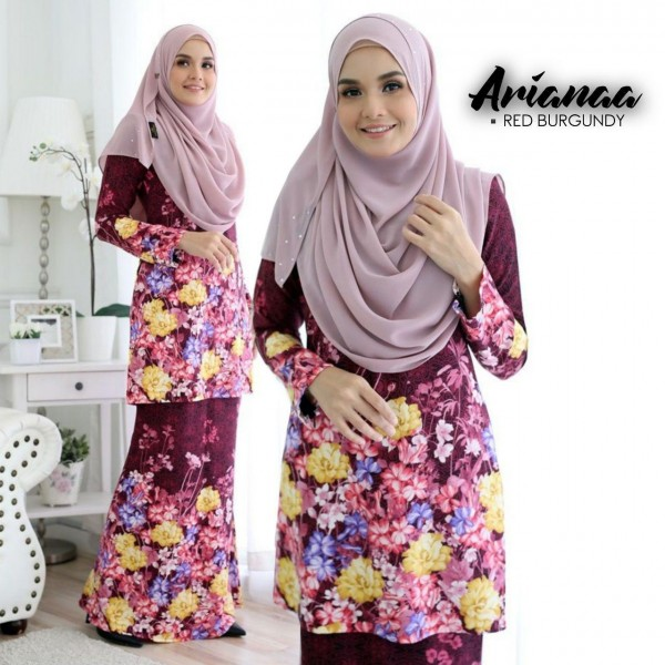 DS08 05 Arianaa - Red Burgundy
